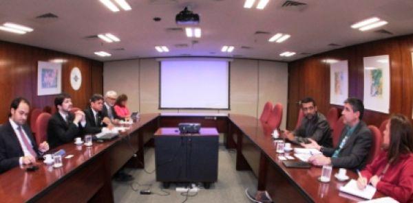 Contraf-CUT e BC discutem PL 4330, MP 615 e correspondentes bancários