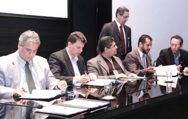 Sindicatos e Contraf/CUT assinam acordo aditivo com o BB.