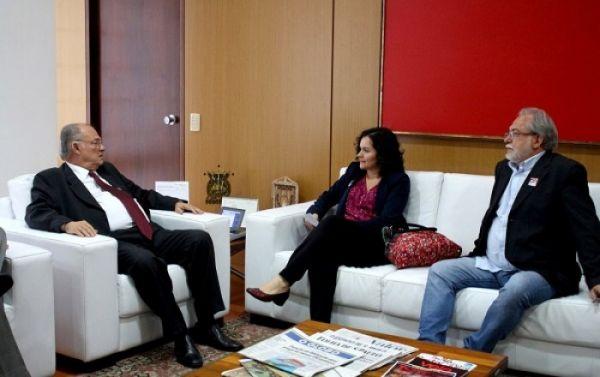 Bancários defendem a renovação do vale-cultura em reunião com ministro Roberto Freire