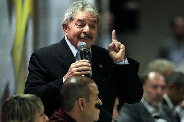 Movimento sindical tem de ir pra rua, defende Lula em ato pelos 30 anos da CUT