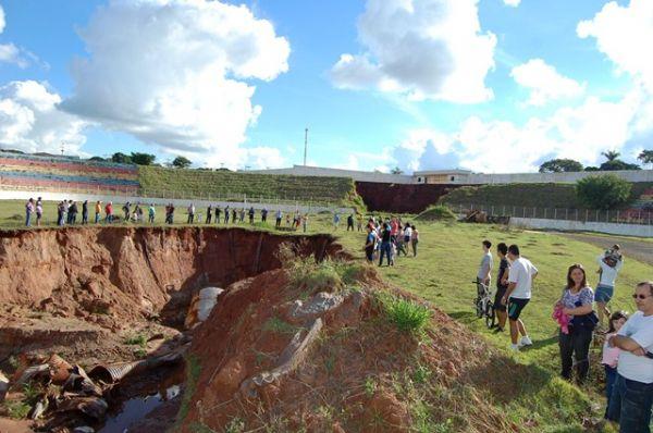 Sindicato dos Bancários participou do abraço ao Centro Poliesportivo de Umuarama