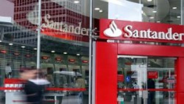 Santander lucra R$ 1,46 bilhão no 2º trimestre, mas fecha 135 empregos