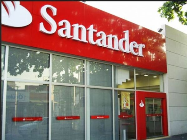 Santander fecha terceiro trimestre com lucro de R$ 5,3 bilhões e mais de 2,4 mil demissões