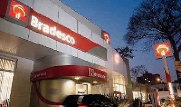 Apesar do lucro de R$ 11,5 bi, Bradesco fecha 1.299 empregos em 2012