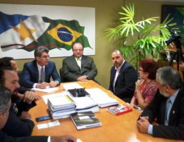 Jucá aceita discutir com centrais regulamentação das domésticas e marca reunião para próxima terça (4)