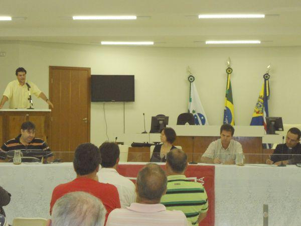 Atendendo requerimento da CUT, Câmara Municipal de Umuarama realizou  audiência pública sobre LER/DORT