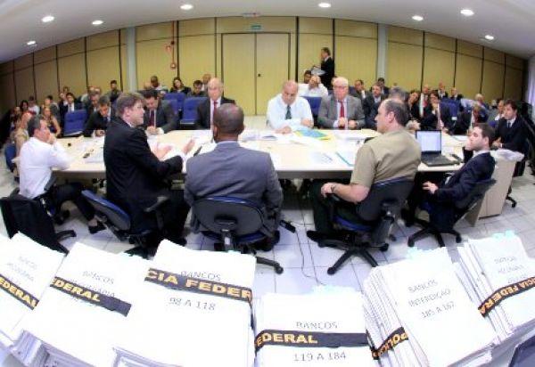 Polícia Federal multa 12 bancos em R$ 1,573 milhão por falhas na segurança