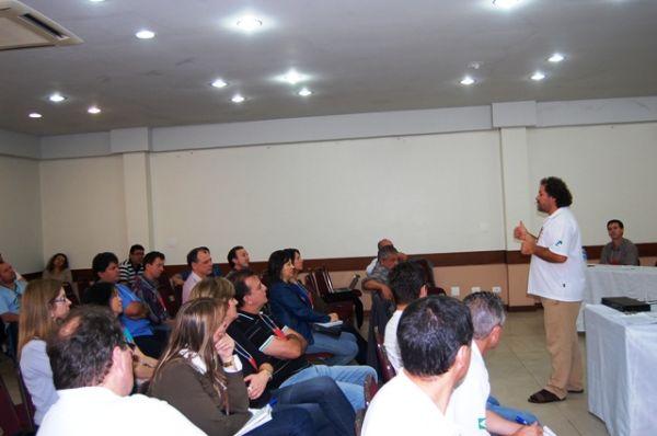 Fetec-CUT/PR realizou Seminário sobre o Sistema Financeiro, em Umuarama