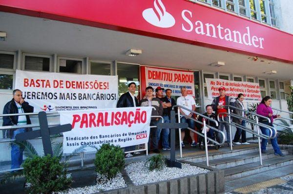 Bancários do Santander de Umuarama paralisam agências contra demissôes