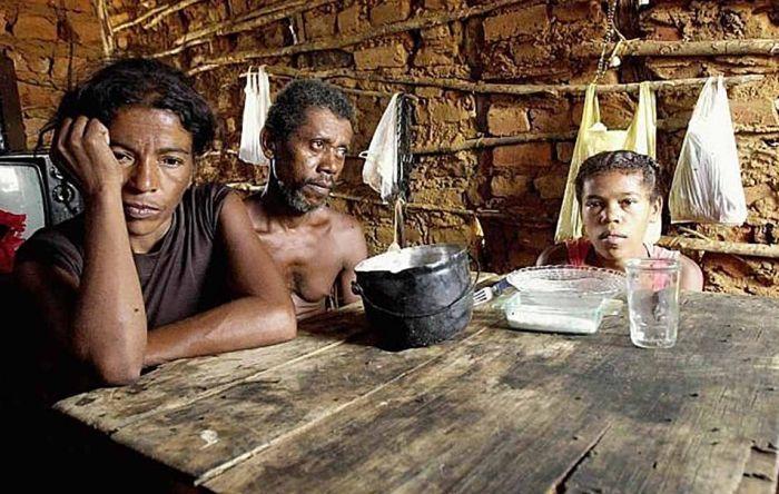 País pode viver caos social com auxílio emergencial menor e a alta dos alimentos