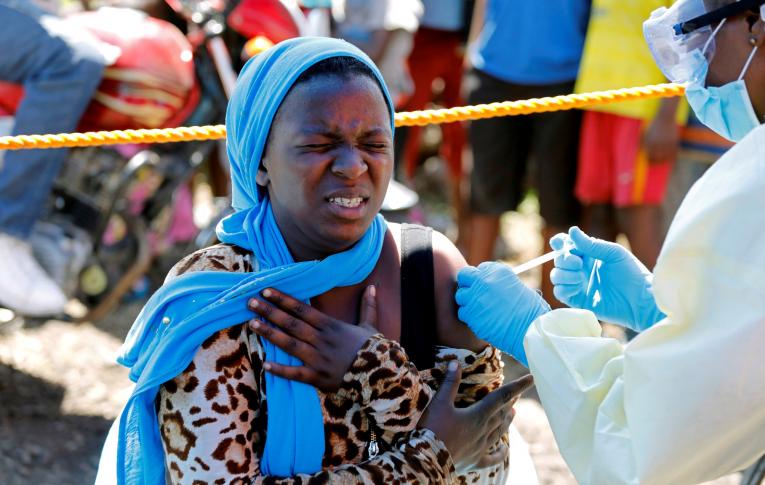 Países mais ricos já acumularam mais mil milhões de vacinas do que as que vão precisar
