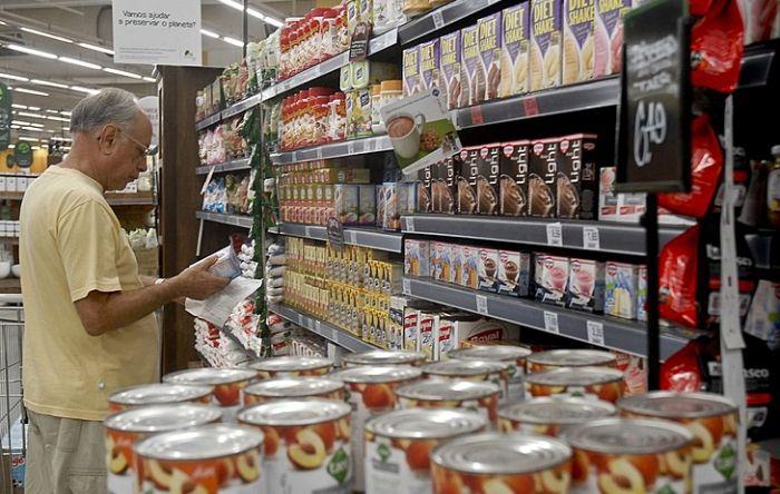 Pandemia impacta na alimentação dos brasileiros e leite e carne viram itens de luxo