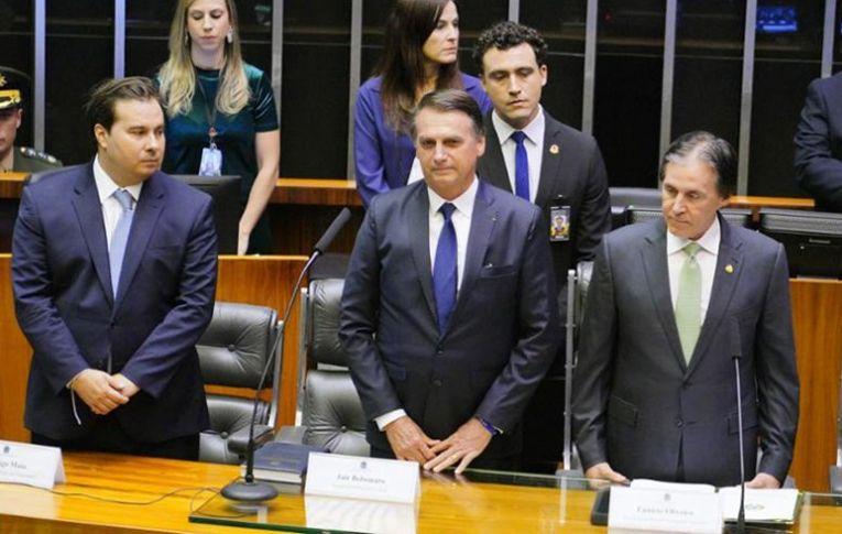 Para Roberto Amaral, governo Bolsonaro pode instaurar novo regime no país