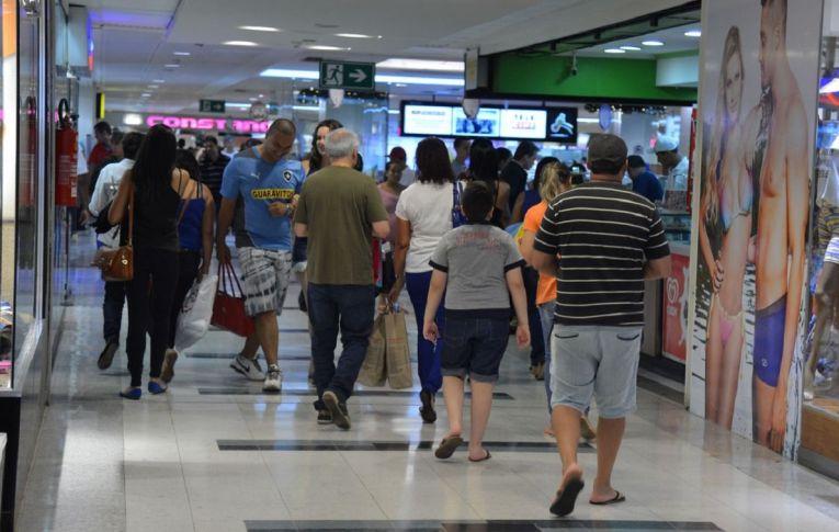 Pequenos lojistas contestam alta nas vendas em shoppings no Natal: 'fake news'