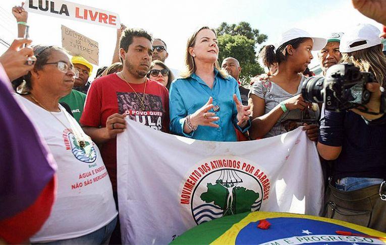 Pesquisas fortalecem Lula e candidatura é juridicamente viável. Entenda.