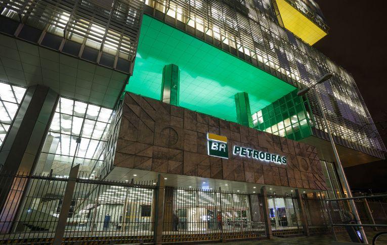 Política de Bolsonaro tornou Petrobras mais vulnerável a crises, diz Dieese