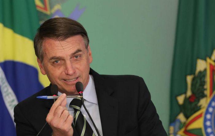 Por votos no Congresso, Bolsonaro barganha com centrão e oferece cargos nas estatais