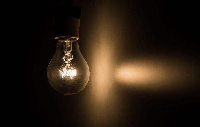 Povo vai pagar mais caro pela energia elétrica se governo privatizar Eletrobras