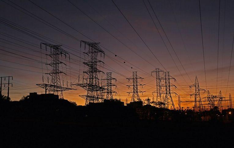 Privatização da Eletrobras vai ser objeto de batalha jurídica e política