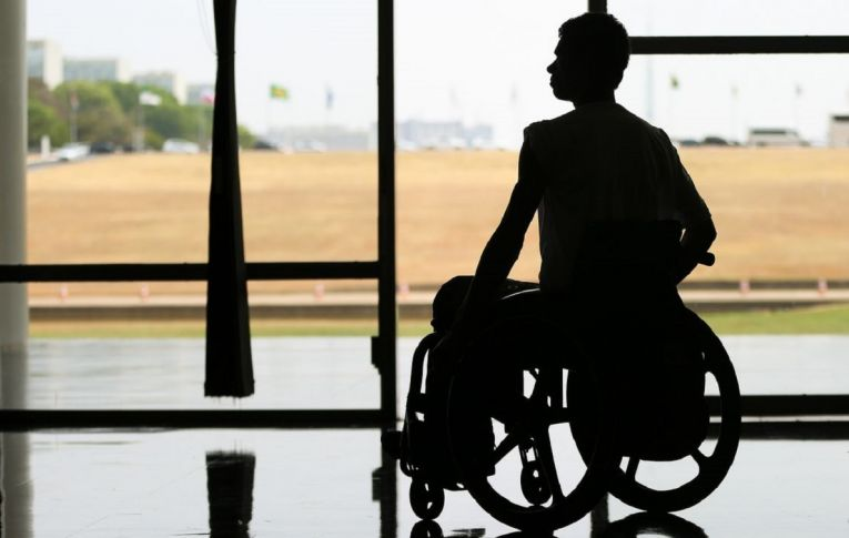 Projeto do governo Bolsonaro ataca política de cotas para pessoas com deficiência