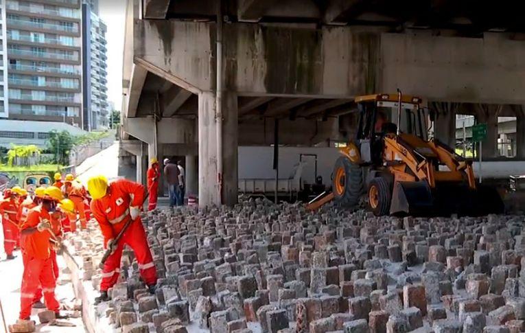 Projeto proíbe técnica de arquitetura que afasta moradores de rua  Fonte