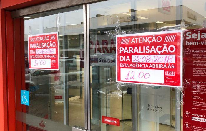 Proposta de retirada de direitos leva bancários à paralisação parcial; negociação continua nesta quinta