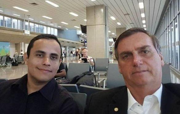 Quem é Tercio Arnaud Tomaz, elo mais forte entre Bolsonaro e a rede de páginas derrubadas pelo Facebook sob acusação de espalharem notícias falsas
