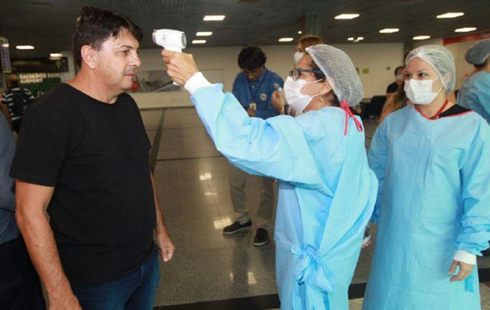 Redes marcam aplausos para o trabalho dos profissionais de saúde ante o coronavírus