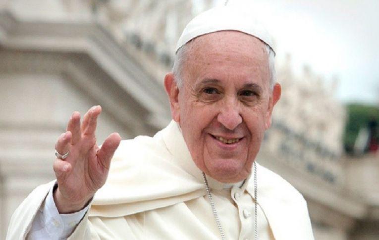 Reportagem especial mostra a guerra contra o Papa Francisco