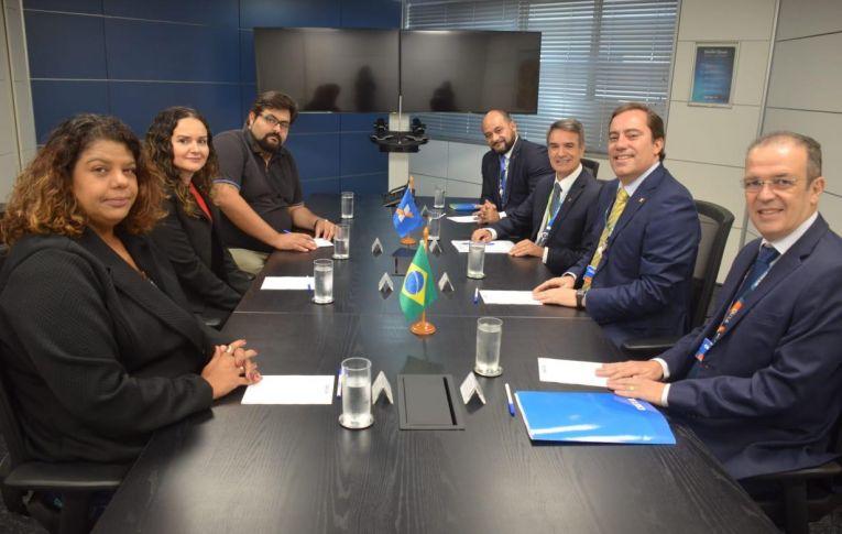 Reunião com presidente da Caixa termina com avanços