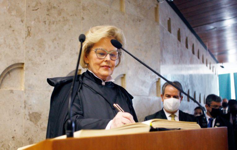Rosa Weber derruba 'boiada' de Ricardo Salles contra manguezais e restingas