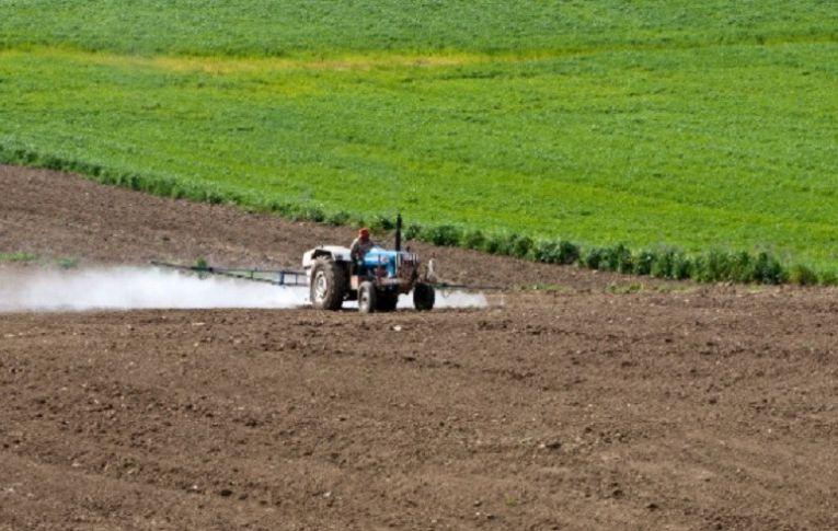 Ruralistas articulam aprovação do pacote do veneno com ministro do Meio Ambiente