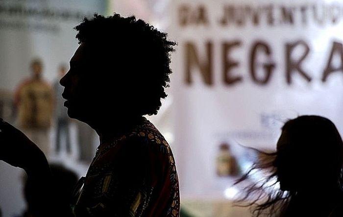 Saiba o que é racismo estrutural e como ele se organiza no Brasil