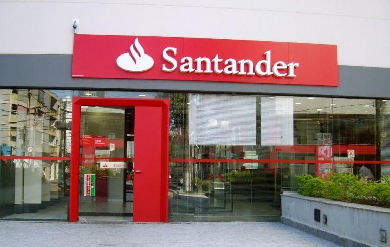 Santander obtém maior lucro de sua história no Brasil