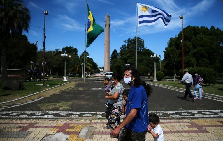 Sem controle da pandemia, Brasil se torna ameaça mundial