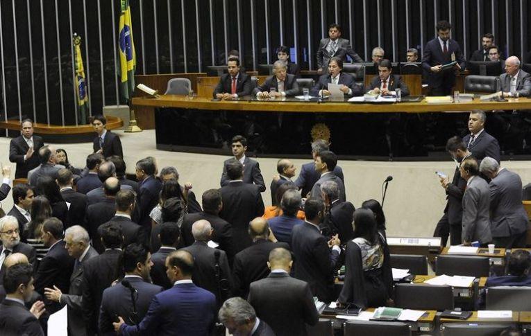 Semana tem pauta cheia no Congresso, alianças e discussões sobre reformas