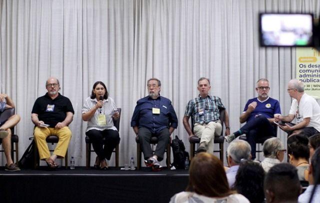 Seminário debate importância de comunicação unitária