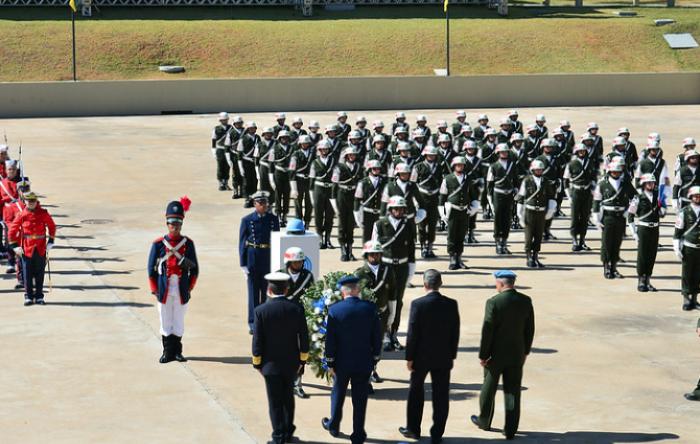Senado aprova aposentadoria dos militares sem idade mínima e com benefício integral