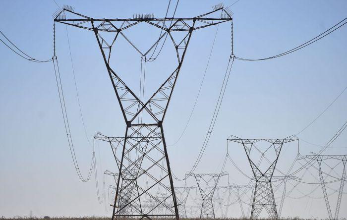 Senado aprova desconto na tarifa de energia após cobrança indevida do governo