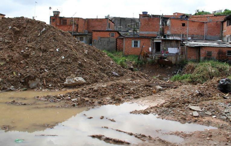 Senado aprova marco legal do saneamento e abre caminho para privatização da água