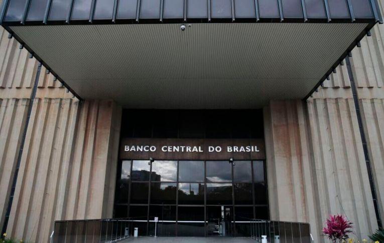 Senado aprova projeto que dá autonomia ao Banco Central