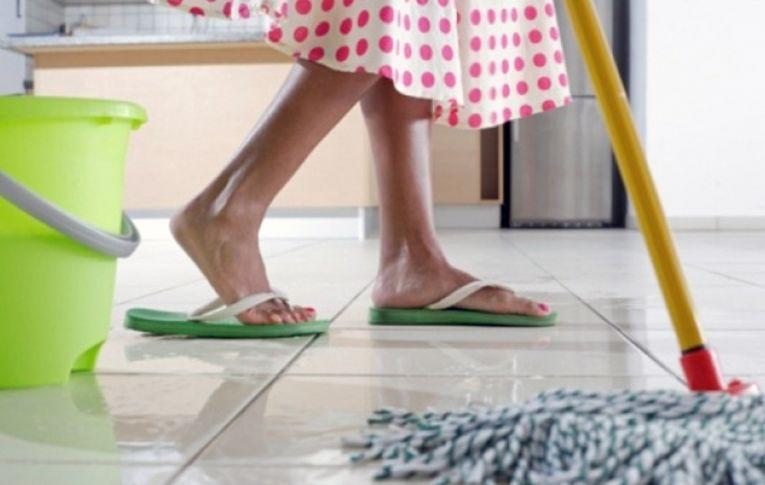 Servidão sem fim: pandemia 'exacerba' desigualdade no trabalho doméstico