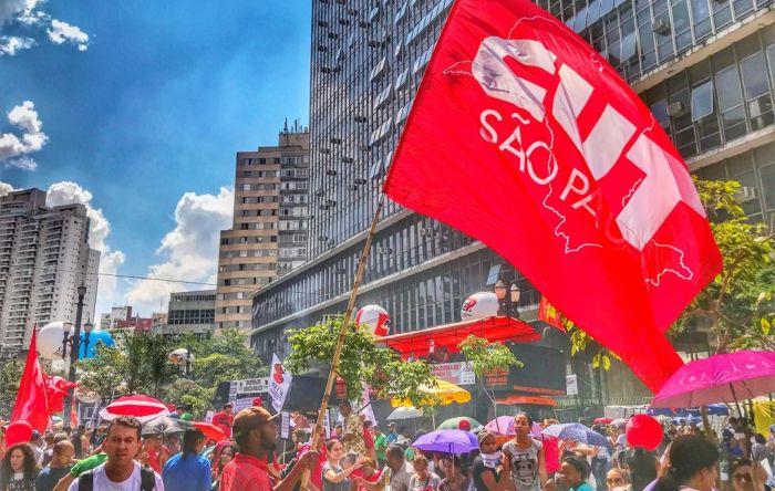 Servidores de SP mantêm greve contra PL que pretende privatizar a previdência