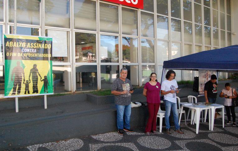 Sindicato de Umuarama iniciou a coleta de assinaturas contra a Reforma da Previdência