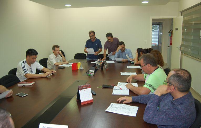 Sindicato de Umuarama realizou assembleia para deliberar sobre Orçamento e Plenária da Fetec