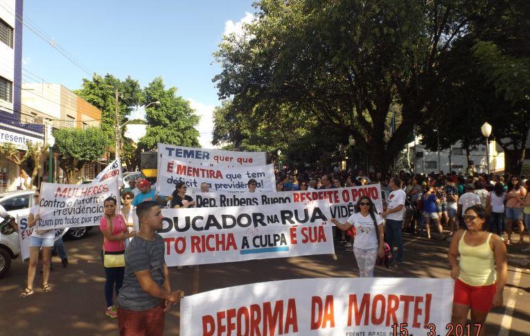 Sindicatos do Pactu, realizaram nesta quarta-feira (15) dia de luta contra a reforma da previdência