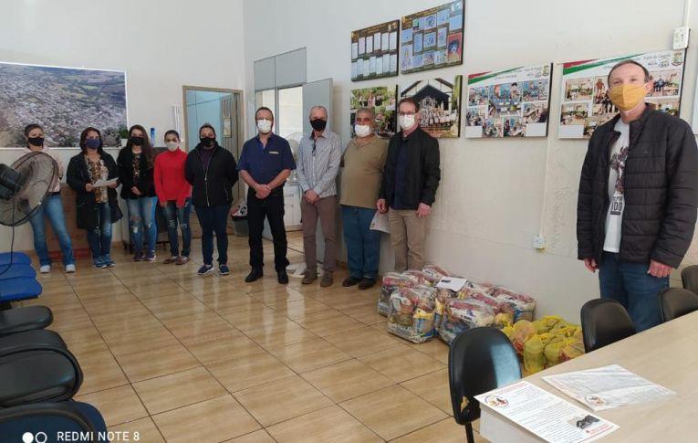 Sindicatos fazem campanha contra a fome em Campo Mourão (PR)