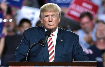 Sombra do impeachment paira sobre Trump e ameaça política externa de Bolsonaro