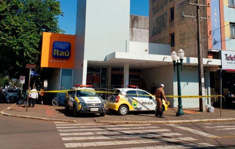 Tentativa de assalto no banco Itaú de Campo Mourão termina em prisão de criminoso