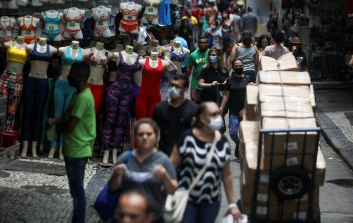 Trabalhador pode ser demitido se não usar máscara? Confira seus direitos e deveres